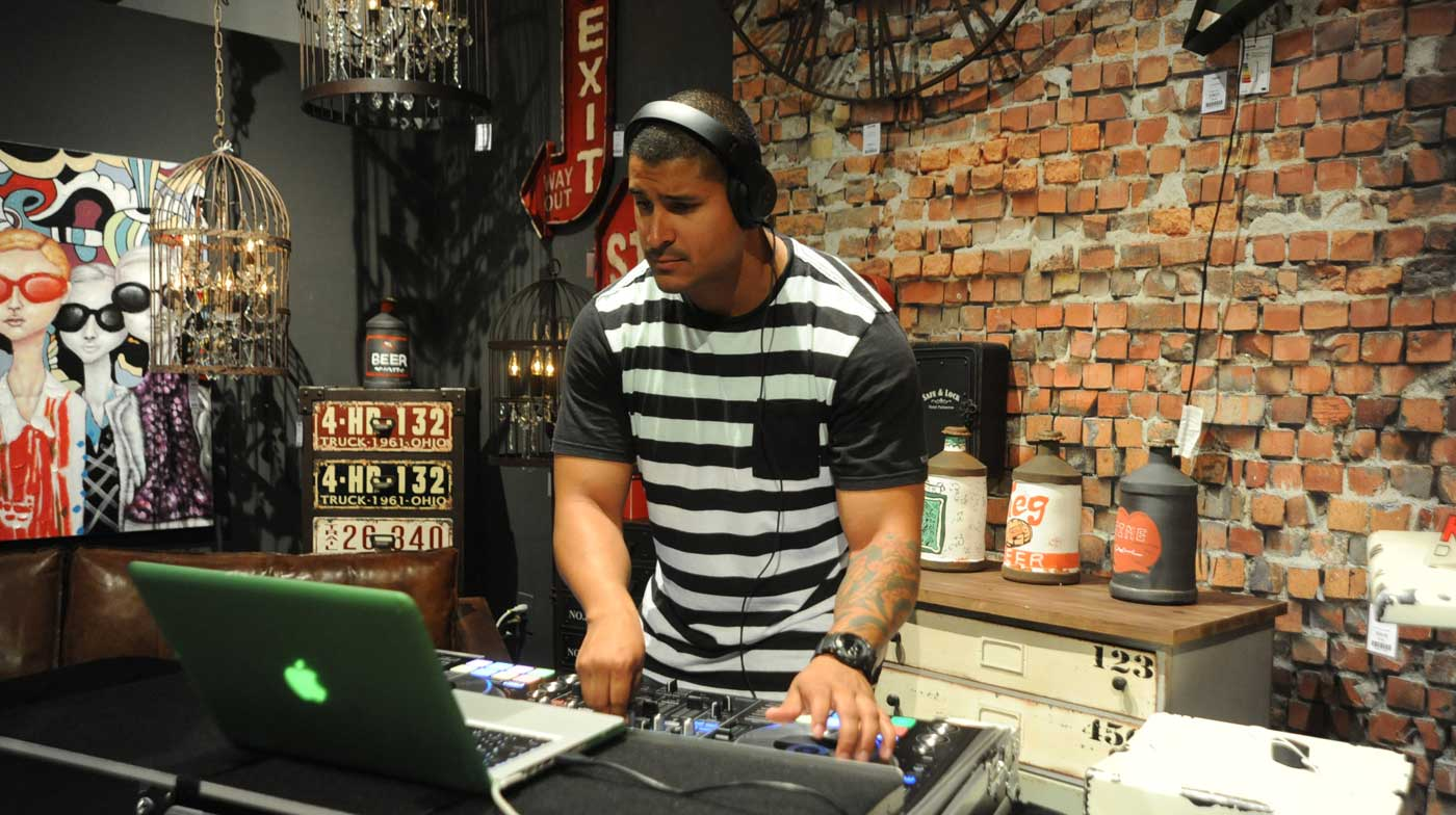 KARE-100-shops-miami-dj-sound