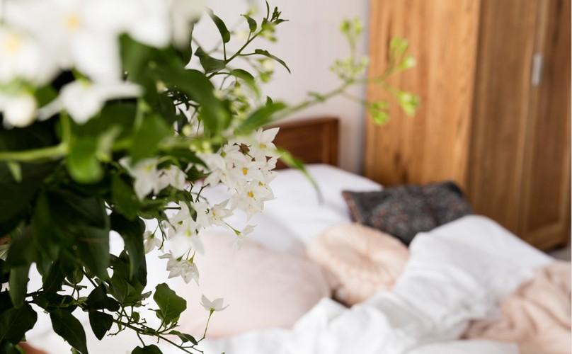 KARE romanticna spavaca soba